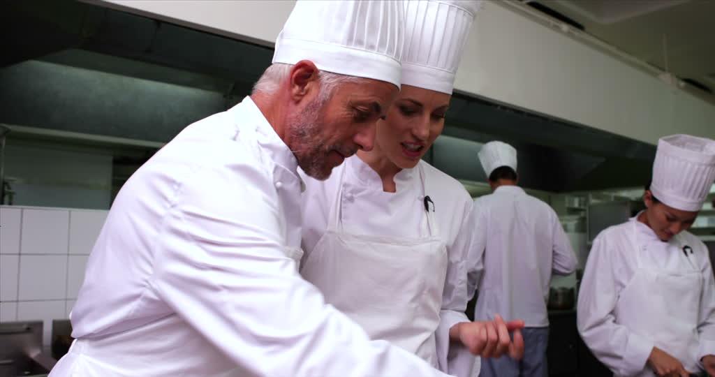 330921031-cooking-school-apprentice-head-chef-chef's-whites